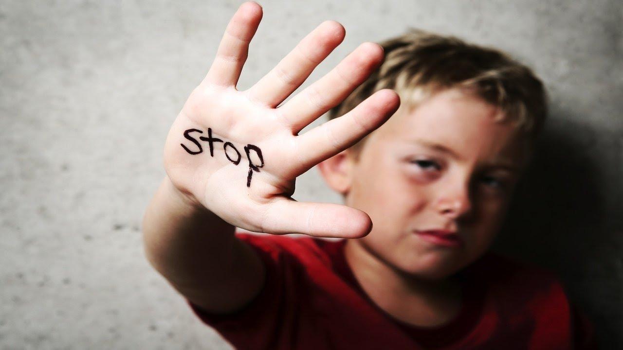 child-saying-stop